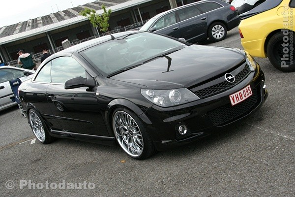opel astra twintop noire photo voiture tuning. Black Bedroom Furniture Sets. Home Design Ideas