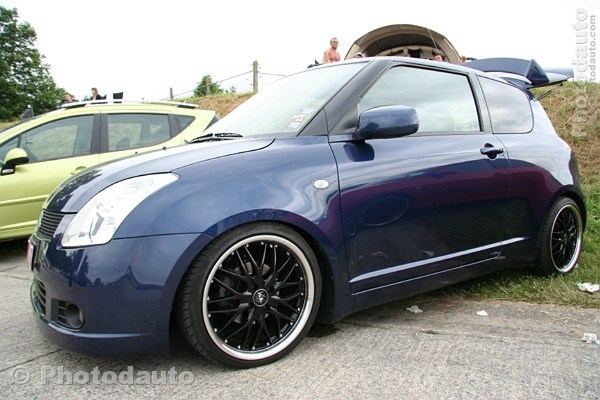 suzuki swift bleu profil photo voiture tuning. Black Bedroom Furniture Sets. Home Design Ideas
