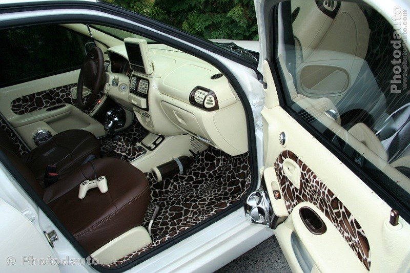 Renault clio blanche interieur for Interieur auto tuning