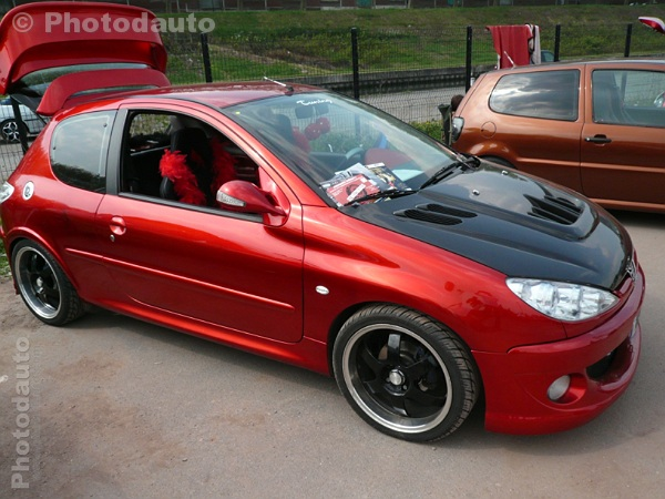 peugeot 206 rouge. Black Bedroom Furniture Sets. Home Design Ideas